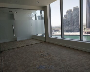 Fitted Office @ Aed 63K- Glass Partitions - 807 sq ft - Mid Floor