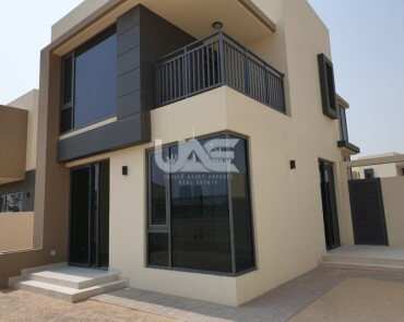 End Unit Type 2E |  Modern 4 Beds |  Ideal Location |  Maple 1