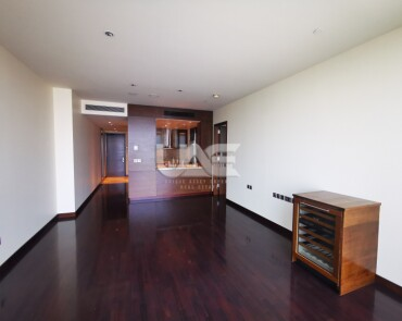 Fully Furnished / Excellent View  / Mid floor / Downtown